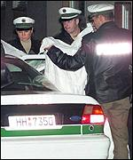 Policei in Hamburg protect the identity of a detainee