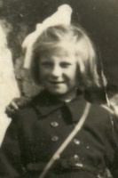 1953, Dolores & Ann Scanlan aged 7 pictured at the lime kiln