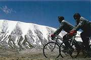 The longest day's cycling in northern Tibet was 212 km