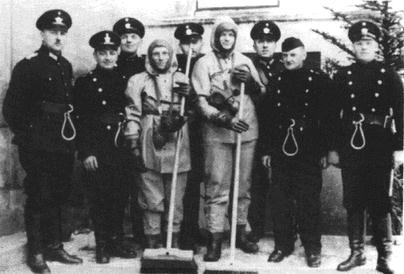 A group of Nuremberg firefighters and decontamination workers