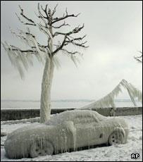 Shores of Lake Geneva, winter 2005