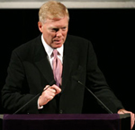 Former Democratic Leader and current NED Board Member Richard Gephardt delivered the first lecture of the New York Democracy Forum on March 22, 2005.