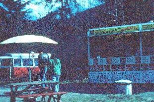 photo of The Hula Hut, a snack stand set up along State Route 504 to cater to the volcano tourists