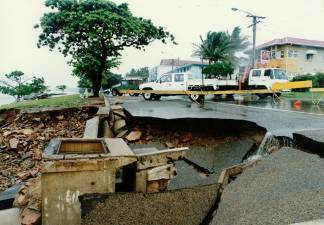 Damage to The Strand, 1998