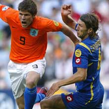 Klaas Jan Huntelaar and Dmytro Chygrynskiy made it into the uefa.com Team of the Tournament