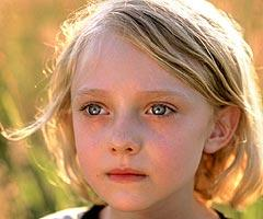 Dakota Fanning: Dammit Mom! Help Me Out Here! I Didn't Come Here Just to Die!