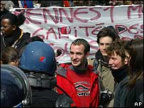 Student protest in Rennes, western France, 11 Apr 06