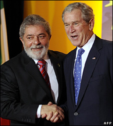 Luiz Inacio Lula da Silva and George Bush in Washington (15 November 2008)