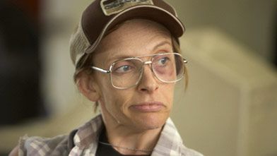 Wife and mother Tara Gregson (Toni Collette) has an identity disorder that includes personalities like Buck, a beer-guzzling Vietnam veteran with a tendency for violence. TMN/Astral Media)