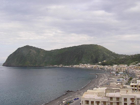 Canneto, Lipari - Used with Permission fom DLAtherton, c.2004