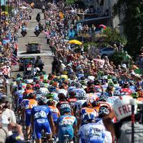 The peloton arrives at the day's final categorised climb.