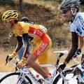 Alejandro Valverde (Caisse d'Epargne) climbs