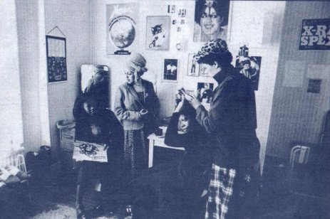 Poly room at her moms house in Brixton 1978 (Pennie Smith)