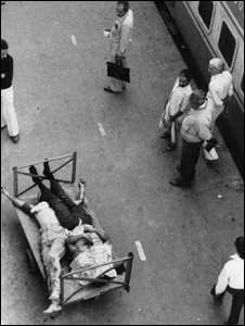 Bodies of Sikhs killed in the riots at the New Delhi railway station <i>Photo: Ashok Vahie</i>