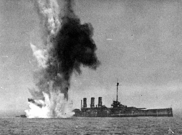 Bomb going off at stern of Ostfriesland.