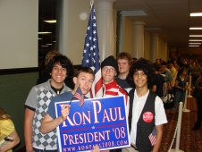 ron-paul-2008-young-supporters.jpg