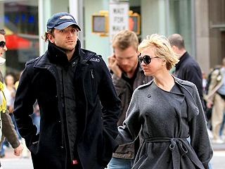 Star Tracks: Star Tracks: Monday, April 19, 2010   Bradley Cooper, Renee Zellweger