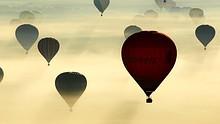 Hot air-balloons take off en masse
