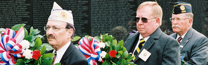 Wreath Laying Ceremony at the Vietnam Veterans Memorial, Nov. 2007  (Photo: Michael Keating)
