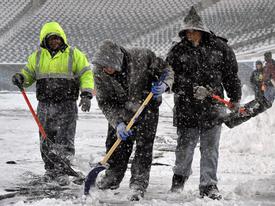 Photos: Crews Work to Clear Snowy Linc