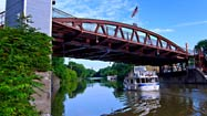 New York's Erie Canal by boat