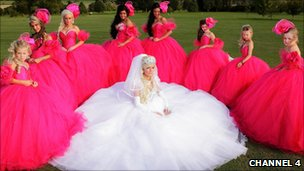 Bride with eight bridesmaids