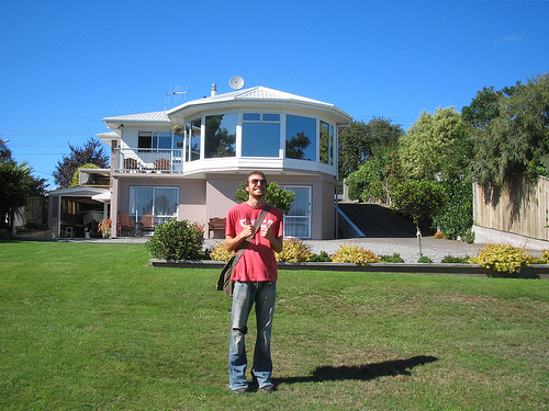 Gavin outside Anglers Lodge where we are staying