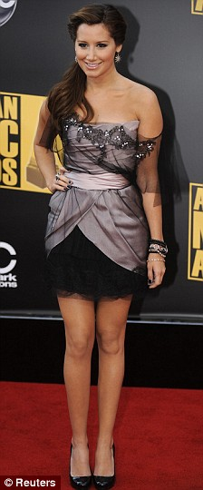 Ashley Tisdale arrives at the 2008 American Music Awards