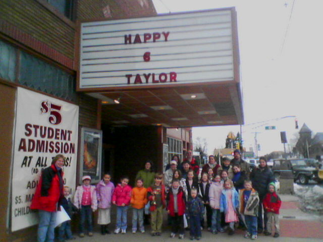 Download Taylor B'day Party (640Wx480H)