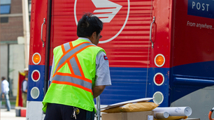 Canada Post pleads for patience over backlog