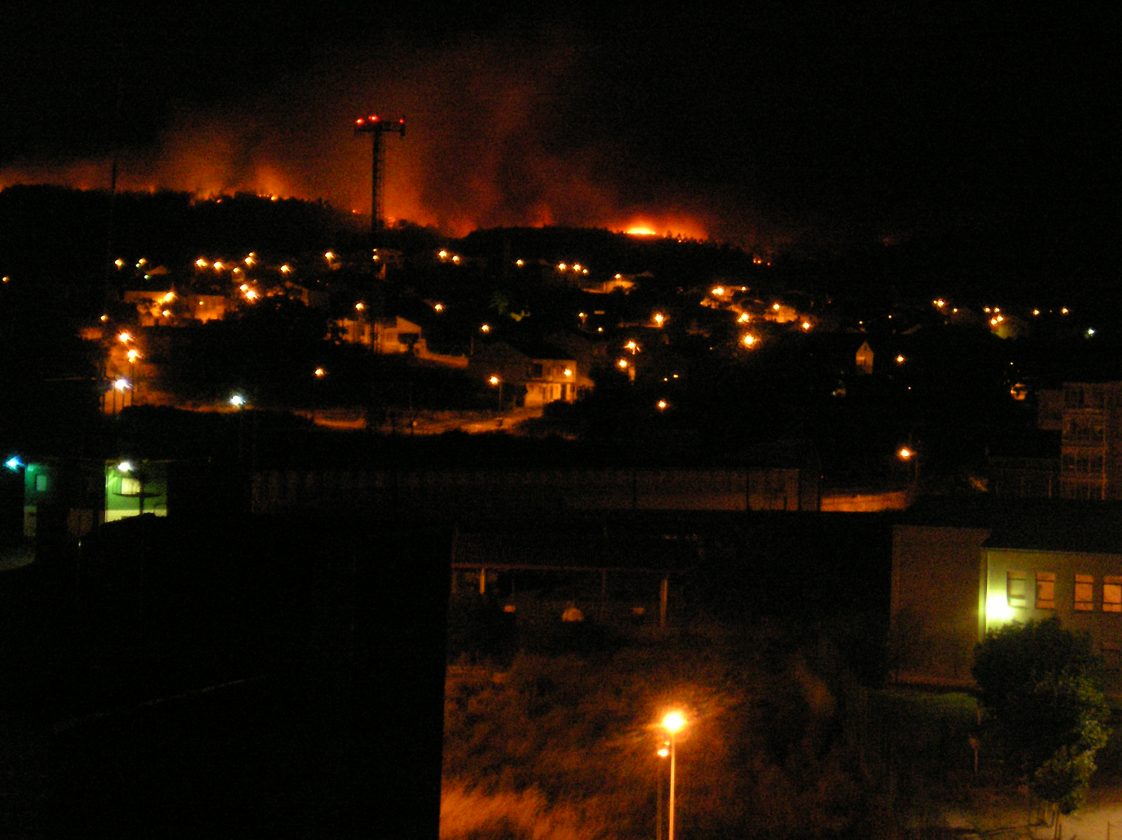 bosque xiabre ardiendo