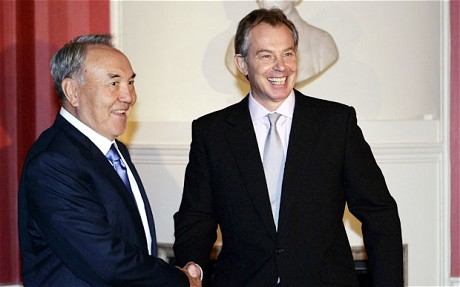 Tony Blair (R) greets the President of Kazakhstan Nursultan Nazarbayev inside 10 Downing Street November 21, 2006