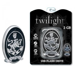 fu1002lg 300x300 Twilight Cullen Crest Flash  Drive