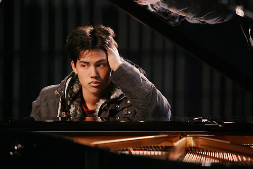 Acclaimed soloist Benyamin Nuss will join Symphonic Fantasies. The award-winning pianist has an exceptional feeling for melodies. It will be the second time for him to perform music from video games. His impressive interpretation of the Turrican 3 arrangement can be heard on the CD album Symphonic Shades. www.benyamin-nuss.de