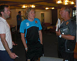 Ian Ashbee and Jimmy Bullard plan their next attack with Brian Horton