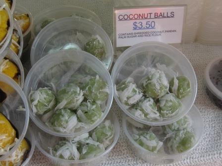 Pandan Scented Coconut Balls: