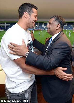 Welcome to QPR: Fernandes greets Cesar