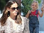Lollipops all round for Jennifer Garner and daughter Seraphina