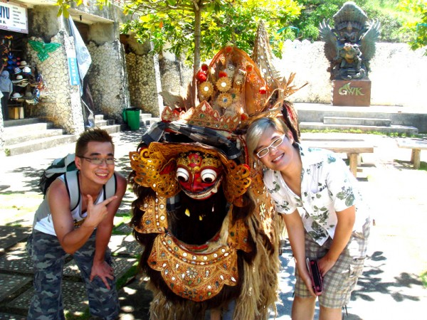 Camwhore with cute monster thingy at GWK, Bali, Indonesia