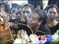 Mourners at Alfredo Reinado's funeral on 14 February 2008