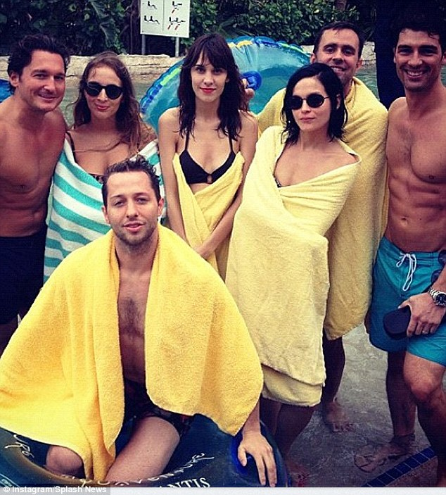 They even have matching towels! Alexa's holiday theme was yellow