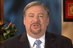 Anti-Gay Pastor Rick Warren Begs For $900,000
