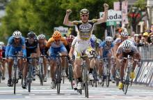 Matthew Goss (HTC-Columbia) wins stage nine of the Giro d'Italia