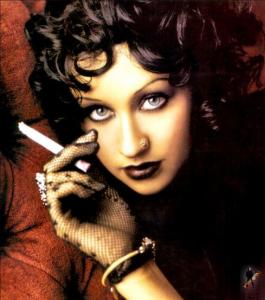 Smoking-Christina-Aguilera