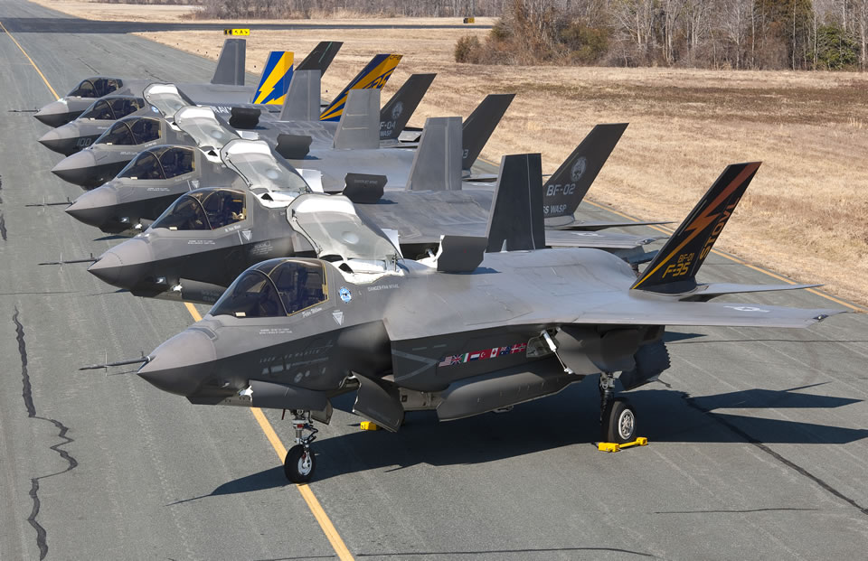 Five F-35Bs and one F-35C line up at Patuxent River for a photo op. Photo Lockheed martin