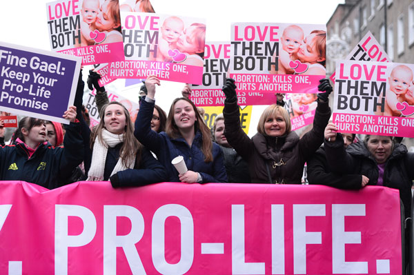 30,000 rally for life in Ireland