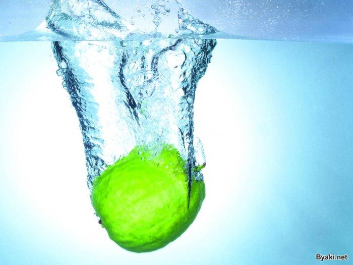 1236978529 fruits in water 18 - Фрукты в воде
