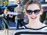 Even celebrities have cheat days! Jennifer Garner drops the diet for a day and grabs pizza with daughter Violet