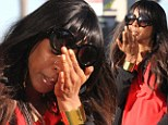Kelly Rowland cries on her birthday after having lunch