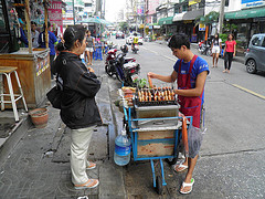 """Hawker selling Thai Soup Soi 22 Sukumvit • <a style=""""font-size:0.8em;"""" href=""""http://www.flickr.com/photos/49887071@N04/5817088134/"""" target=""""_blank"""">View on Flickr</a>"""